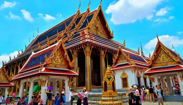 Why is Bangkok the best place for a vacation?