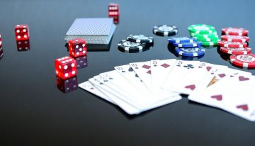 Here are the benefits of playing online poker!!